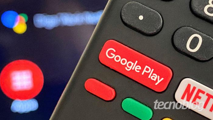 Controle remoto de uma Android TV (Imagem: André Fogaça/Tecnoblog)