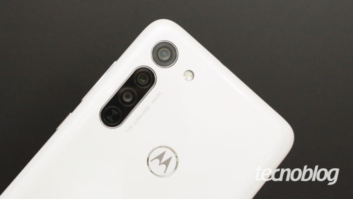 Motorola Moto G8 - câmeras na traseira