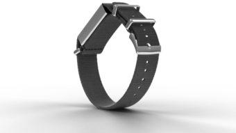 Immutouch é uma pulseira que vibra para você não tocar seu rosto