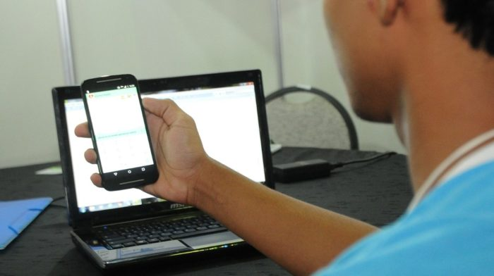 55% das escolas públicas não têm conexão adequada (Imagem: Álvaro Henrique/SEEDF)
