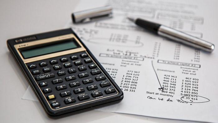 stevepb / calculadora e contas / Pixabay / financiamento habitacional caixa