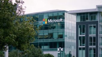 Microsoft troca jornalistas por inteligência artificial