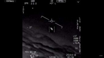 Pentágono divulga oficialmente vídeos mostrando OVNIs