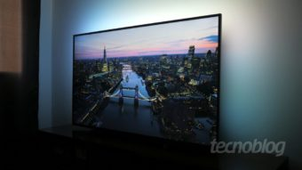 TV 4K Philips Ambilight 6700: show de luzes