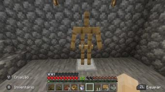 Como fazer um suporte de armadura no Minecraft