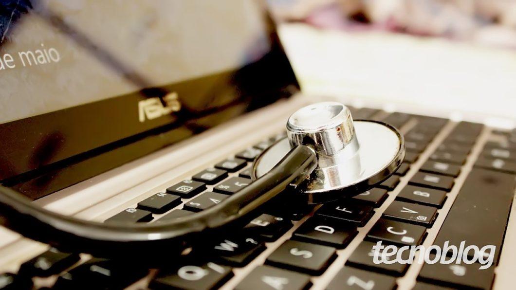 Telemedicina (estetoscópio + teclado)