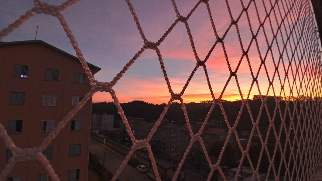 Foto do pôr do sol tirada com o LG K51S