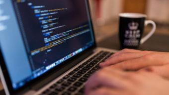 Aumento do ICMS em SP é criticado por setores de software e eletrônicos