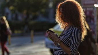 RJ derruba veto de lei que exige streaming grátis no celular