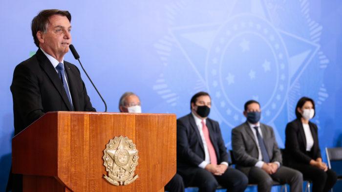 Jair Bolsonaro admite vetar PL das fake news (Foto: Carolina Antunes/PR - 30/06/2020)