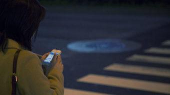 Projeto de lei quer que operadoras enviem local de celular roubado à polícia
