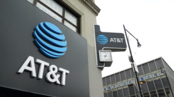AT&T tenta vender DirecTV, controladora da Sky no Brasil