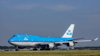 Boeing 747 recebe atualização de software via disquete