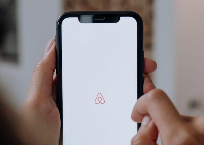 Airbnb/Pexels/cottonbro
