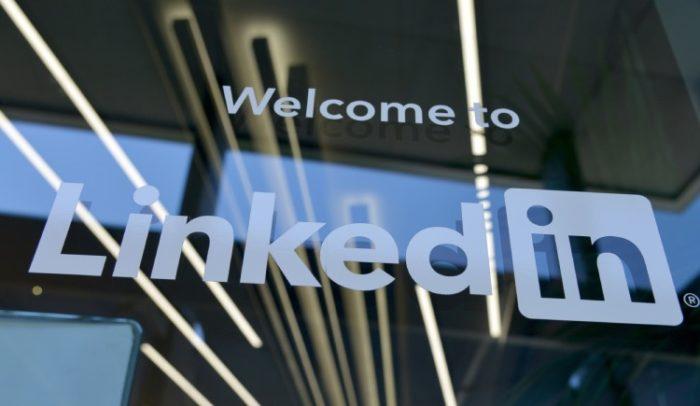 Como adicionar certificados no LinkedIn / Greg Bulla / Unsplash