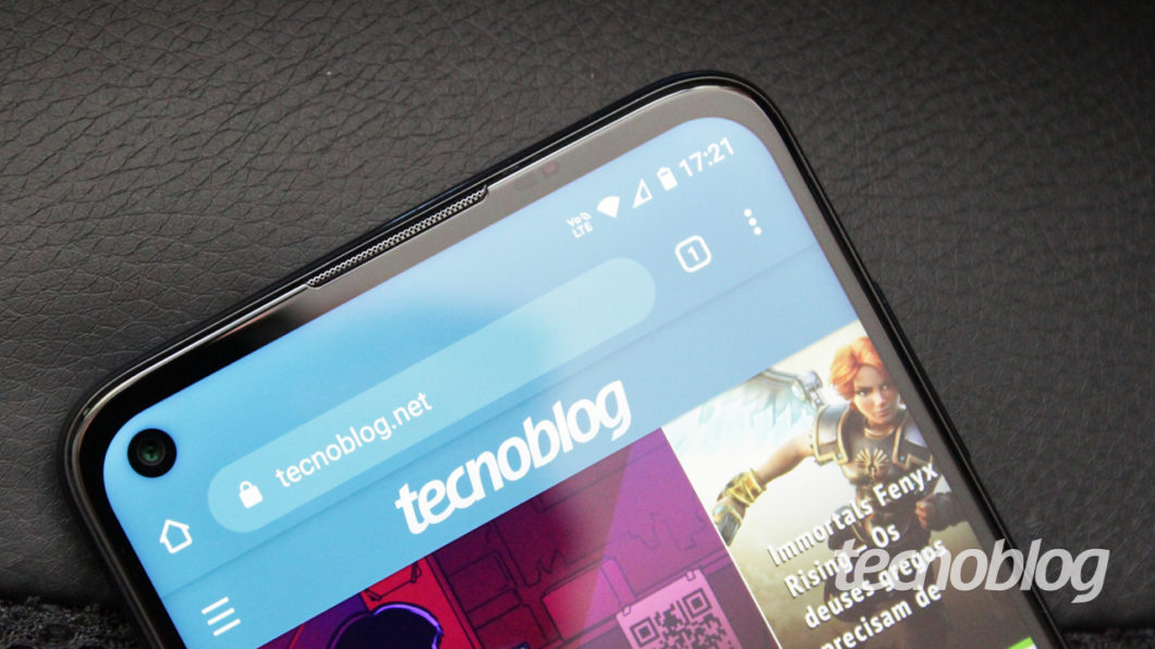 Motorola Moto G9 Plus - notch
