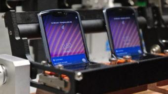 Motorola mostra como Razr 5G e sua tela dobrável são testados