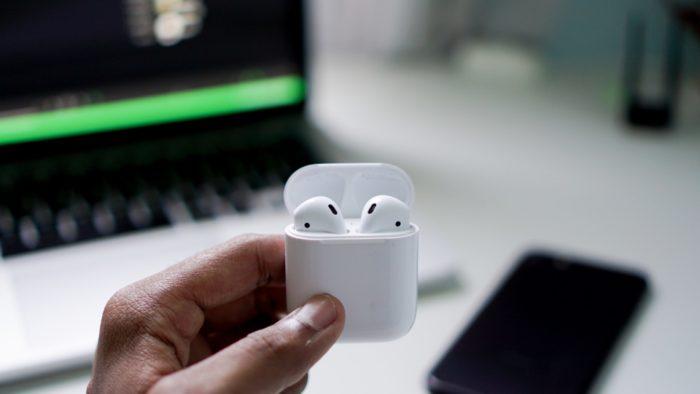 Como usar o compartilhamento de áudio nos AirPods (Imagem: Suganth/Unsplash)