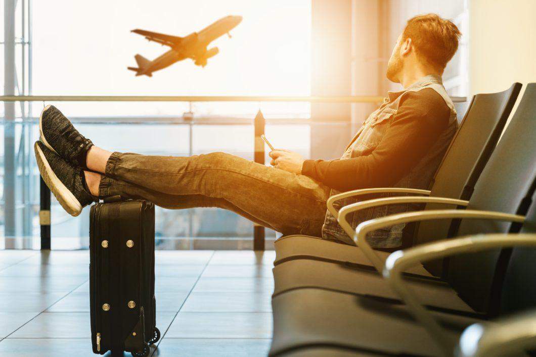 Vivo Travel Mensal permite usar celular no exterior (Imagem: Jeshoots / Unsplash)