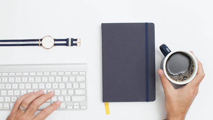 Mesa de trabalho (Imagem: Cathryn Lavery/Unsplash)