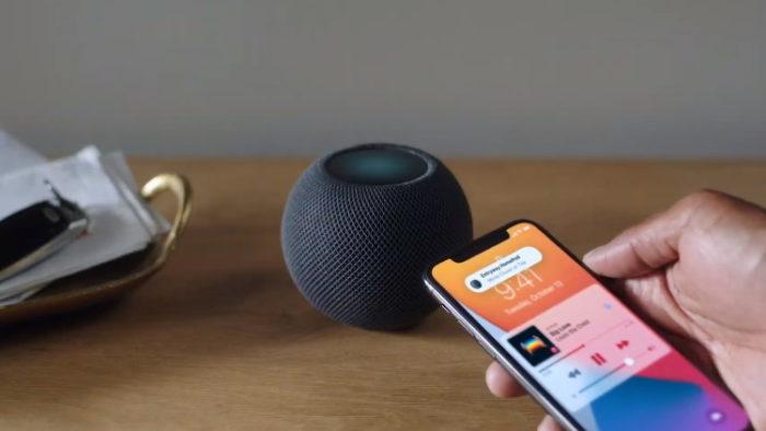 HomePod Mini and iPhone (Image: Apple)