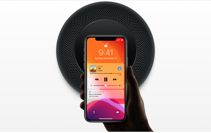 With Apple Music (Image: Press Release / Apple)