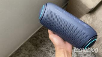 Caixa de som Bluetooth LG Xboom Go PL7: som potente e luzes multicoloridas