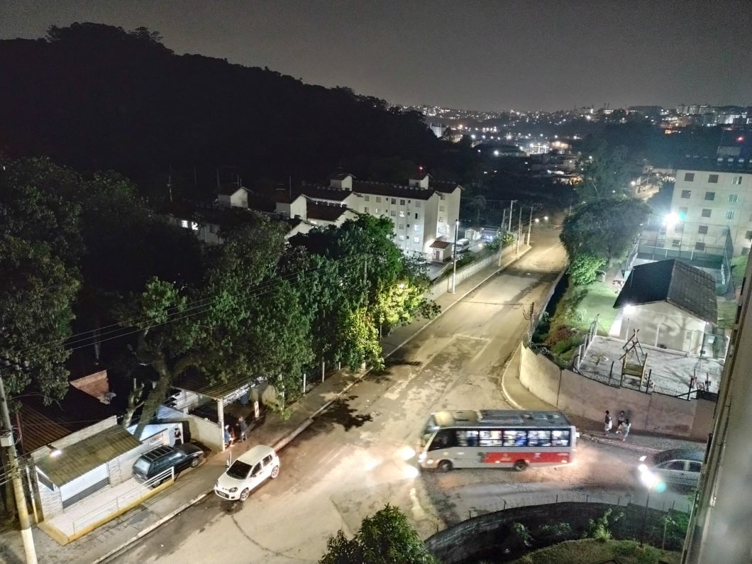 Foto tirada com o modo Night Vision do Motorola Moto G9 Play (Imagem: Darlan Helder/Tecnoblog)