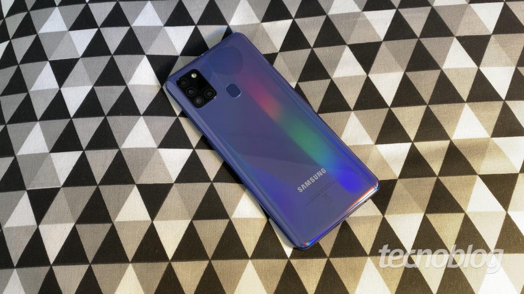 Samsung Galaxy A21s (Imagem: Darlan Helder/Tecnoblog)