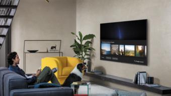 Google Assistente vai chegar a TVs da Samsung e relógios Fitbit