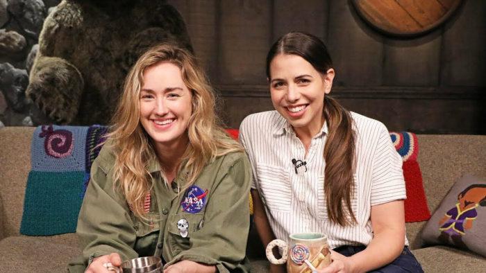 Ashley Johnson (à esquerda) e Laura Bailey