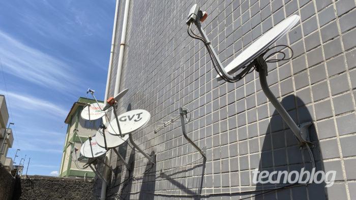 Antenas parabólicas (Imagem: Lucas Braga/Tecnoblog)