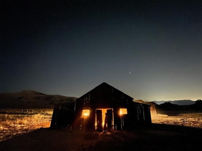 Modo Noite com lente ultra-wide no iPhone 12. (Imagem: Divulgação/Apple)