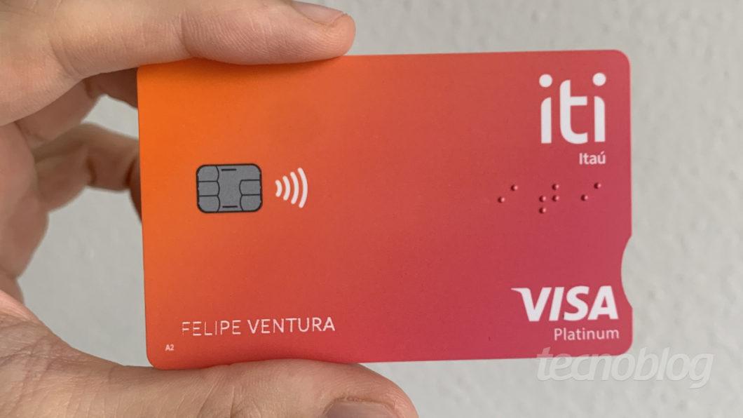 Cartão da conta Itaú Iti (Imagem: Felipe Ventura / Tecnoblog)