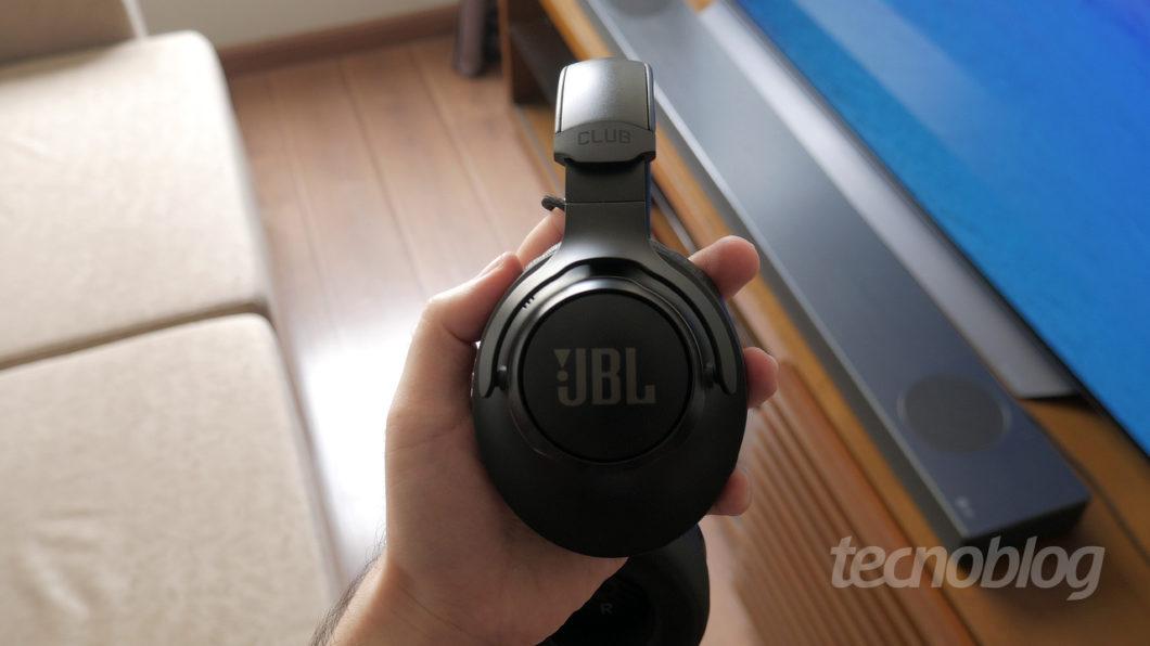 Fone JBL Club 950NC (Imagem: Paulo Higa/Tecnoblog)