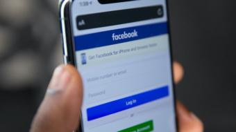 O que é a versão mbasic.facebook.com?