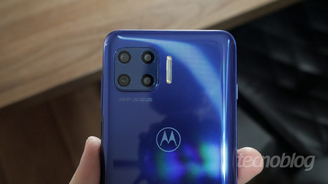 Motorola Moto G 5G Plus (Imagem: Paulo Higa/Tecnoblog)