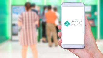 Febraban alerta sobre golpes de chaves Pix via WhatsApp e SMS