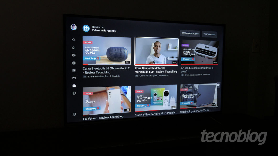 4K Semp SK8300 TV (Image: Paulo Higa / Tecnoblog)