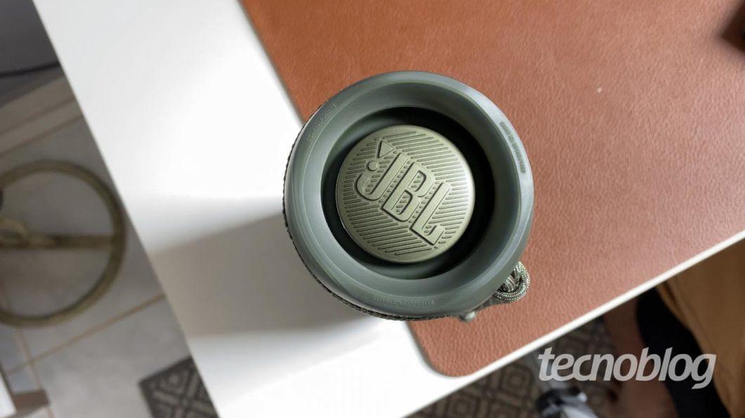 JBL Flip 5 (Imagem: Darlan Helder/Tecnoblog)