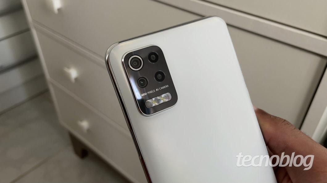 LG K62 + (Image: Darlan Helder / Tecnoblog)
