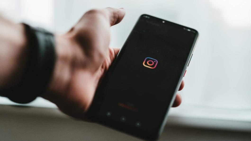 Instagram Reels and IGTV (Image: Claudio Schwarz / Unsplash)