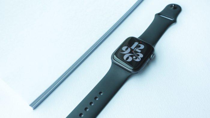Como limpar a pulseira e o Apple Watch (Imagem: Divani / Unsplash)