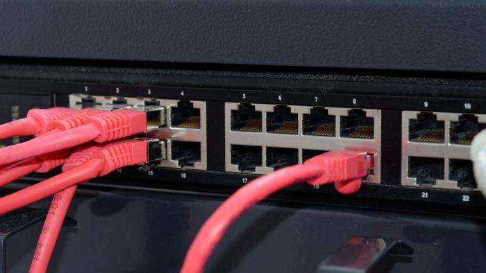 Switch de rede (Imagem: chrisci/Pixabay) / o que é cgnat