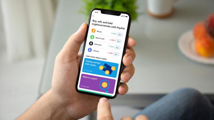 App do PayPal no celular (Imagem: Divulgação/PayPal)