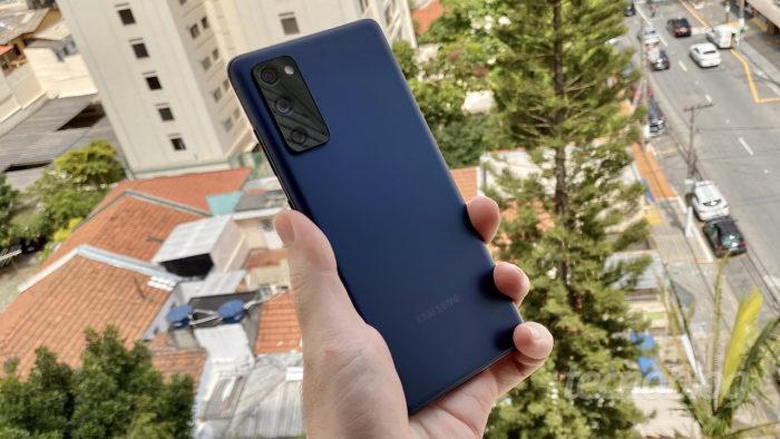 Samsung Galaxy S20 Fan Edition, antecessor do provável Galaxy S21 FE (Imagem: Paulo Higa/Tecnoblog)