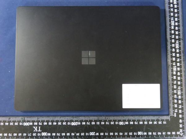 Suposto Surface Laptop 4 (imagem: @cozyplanes)