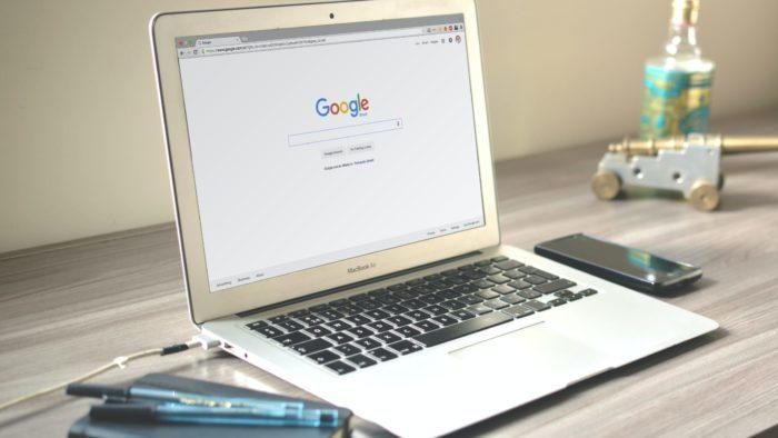 Google Chrome em um MacBook (Imagem: Caio/Pexels)
