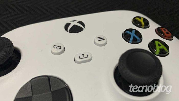 Botão Share é novidade n o controle do Xbox Series S (Imagem: Felipe Vinha/Tecnoblog)