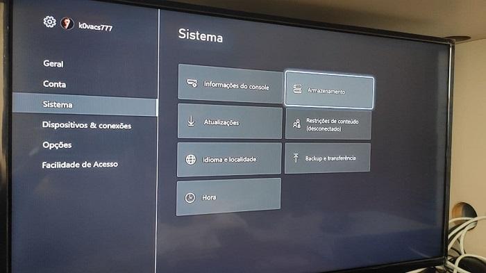 Verificando a identificação do HD externo no Xbox One (Imagem: Leandro Kovacs/Tecnoblog)